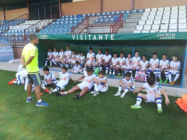 campus-experience-football